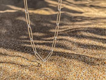 Interrupted Line Chain Bracelet
