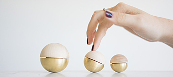 WOBBALLS, sculptural wobble spheres
