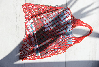 red linien string bag