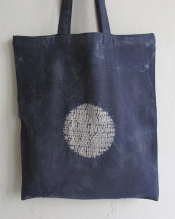 Moon Shadows - mokume shibori totebag in shades of black, blue and grey. 100 % organic cotton.