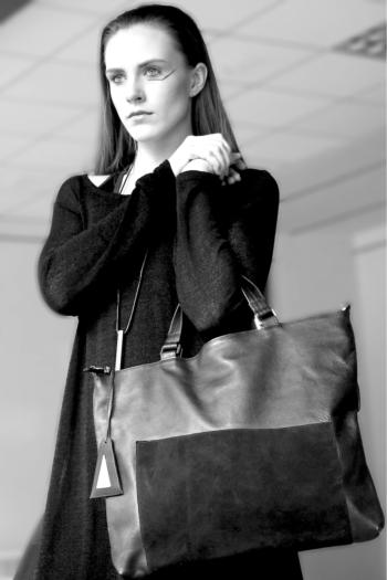 anoir asymmetric tote bag black