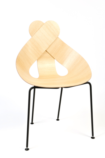 LUCKY LOVE CHAIR made form plywood natural lacquer seat and black frame