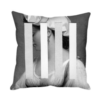 Glimpse Cushion