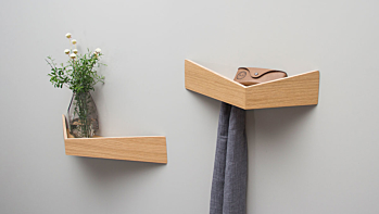 PELICAN Small. Shelf with hidden hooks